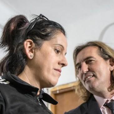 Paralizan un desahucio de una mujer con tres hijos en El Palo